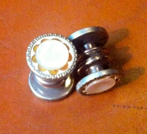 Snap-together composite and mother-of-pearl cuff links available at Kingpin's Hideaway.